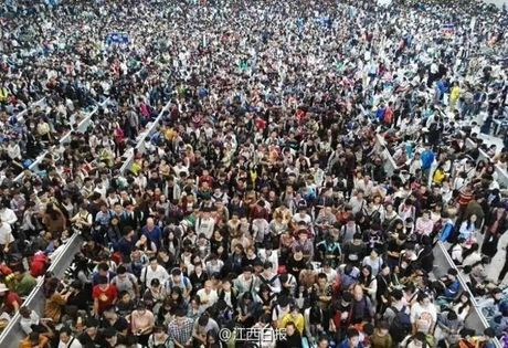 Gan 600 trieu nguoi Trung Quoc un un di du lich dip quoc khanh - Anh 3