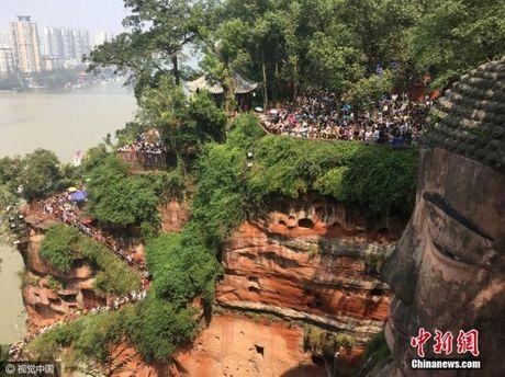 Gan 600 trieu nguoi Trung Quoc un un di du lich dip quoc khanh - Anh 9