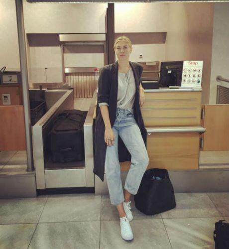 Sharapova se tro lai day nong bong trong nam 2017 - Anh 7