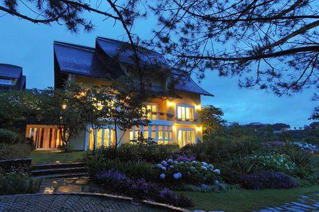 Chiem nguong resort tran ngap sac hoa o Da Lat thang 10 - Anh 3