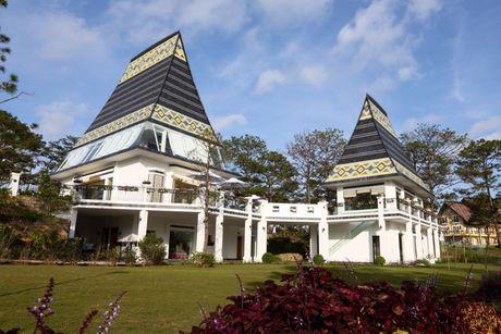 Chiem nguong resort tran ngap sac hoa o Da Lat thang 10 - Anh 9