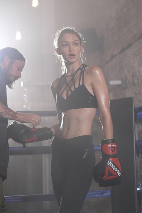 Gigi Hadid hoa co nang boxing nong bong day quyen ru - Anh 5