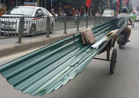 Mot tuan xu ly gan 2.000 phuong tien cho hang cong kenh o Ha Noi - Anh 1