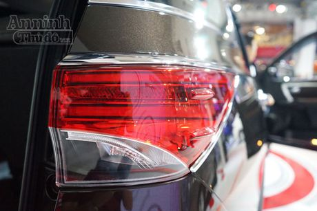 Chi tiet hang 'hot' chinh hang Toyota Fortuner 2016 - Anh 7