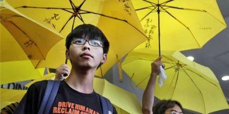 Trung Quoc ep Thai Lan bat giu nha hoat dong Hong Kong Hoang Chi Phong? - Anh 1