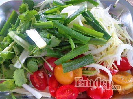 Lam salad xoai trung chien cho nguoi an kieng - Anh 2