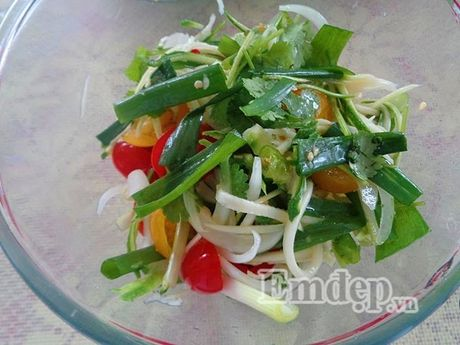 Lam salad xoai trung chien cho nguoi an kieng - Anh 3