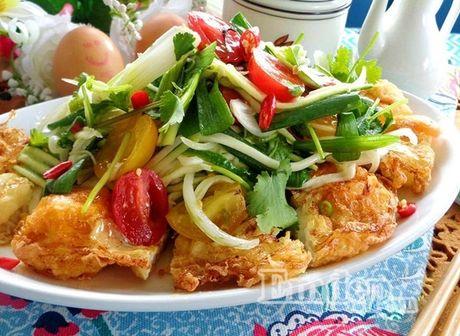 Lam salad xoai trung chien cho nguoi an kieng - Anh 6