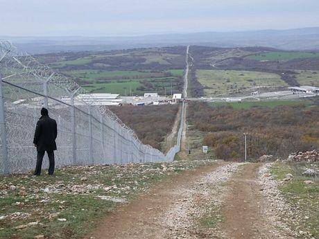 9 cong chuc Bulgari bi giam sat vi nghi ngo nhan hoi lo - Anh 1