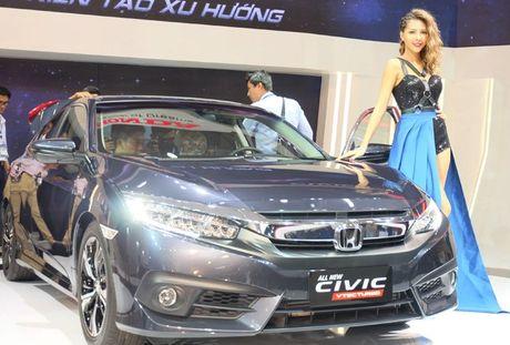 Khai mac trien lam Vietnam Motor Show 2016 - Anh 2