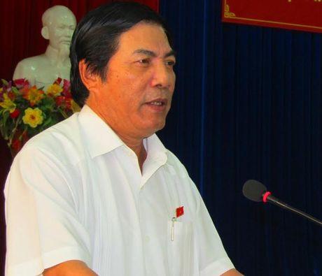 Ong Nguyen Ba Thanh co duoc xet duyet 'Cong dan Da Nang tieu bieu'? - Anh 1