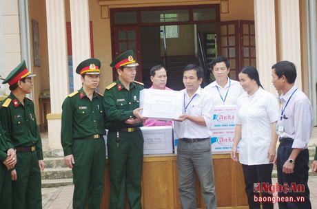 Thuc hien phuong cham 'Di sat lam sang, tim benh de dieu tri' - Anh 3