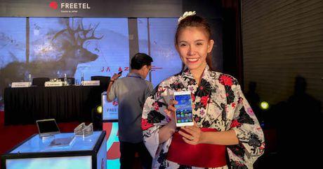 Smartphone nap gap 2 man hinh den tu Nhat Ban - Anh 4