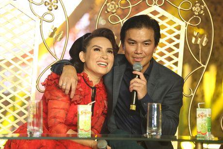 Phi Nhung doi 'chat chem' Manh Quynh tren ghe nong - Anh 1