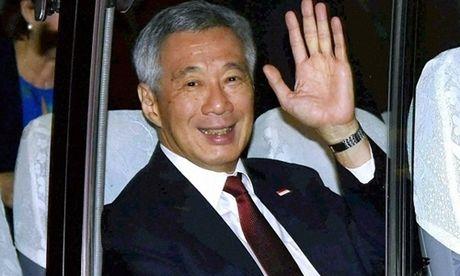 Thu tuong Singapore di xe buyt ve khach san khi cong du An Do - Anh 1