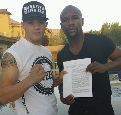 Mayweather nem tien trong show dien ca nhac - Anh 12