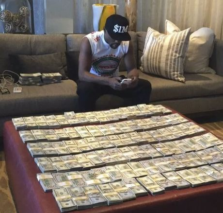 Mayweather nem tien trong show dien ca nhac - Anh 3