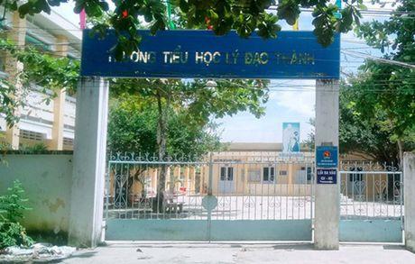Nam sinh lop 6 phai hoc lai lop 1 khong phai chuyen hiem gap - Anh 1