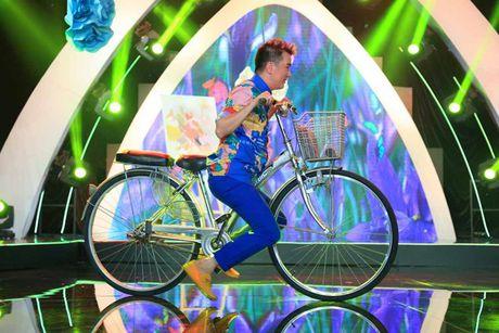 Dam Vinh Hung co gu thoi trang diem dua nhat showbiz Viet - Anh 12