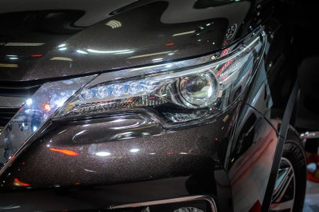 Chi tiet Toyota Fortuner 2017: Them nhieu cong nghe an toan - Anh 3