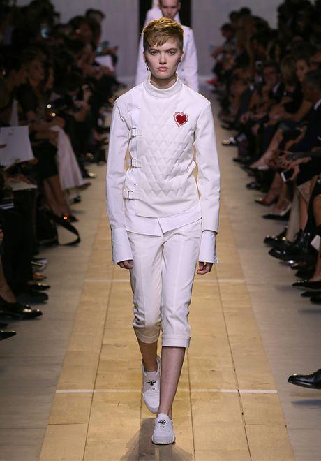 'Cu lot xac' ngoan muc cua Dior - Anh 14