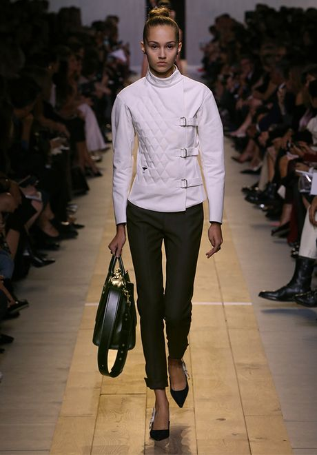 'Cu lot xac' ngoan muc cua Dior - Anh 16
