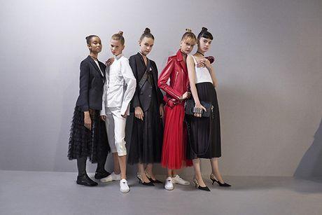 'Cu lot xac' ngoan muc cua Dior - Anh 2