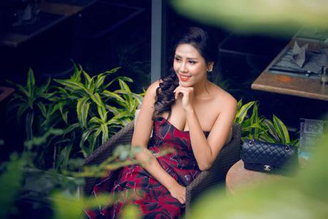 Nguyen Thi Loan gap rut chuan bi thi Hoa hau Hoa binh quoc te - Anh 3