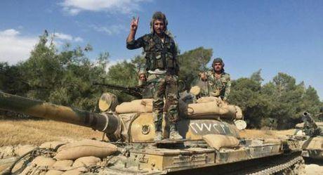 Dong Aleppo bi tan cong du doi, quan chinh phu thang lon - Anh 1