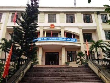 Thanh Hoa: Ca UBND phuong dong cua lien hoan trong gio hanh chinh - Anh 2