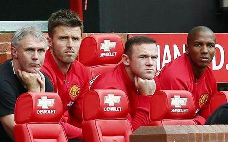 Rooney lan dau len tieng viec Mourinho day len ghe du bi - Anh 1