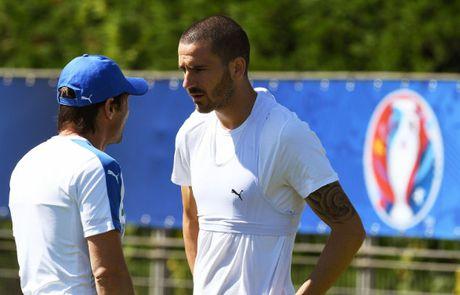 Chieu long Conte, Chelsea san sang lap ky luc chuyen nhuong voi Bonucci - Anh 2