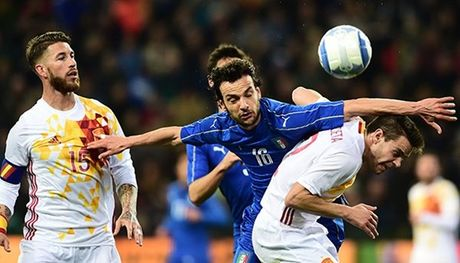 01h45 ngay 07/10, Italia vs Tay Ban Nha: Bo tot phuc han - Anh 2