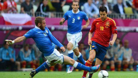 01h45 ngay 07/10, Italia vs Tay Ban Nha: Bo tot phuc han - Anh 5