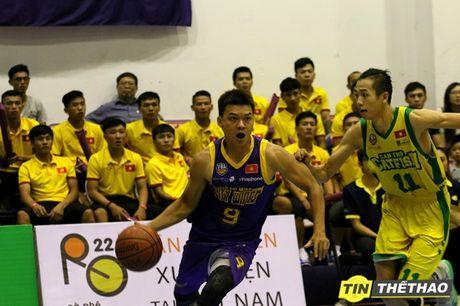 DT Futsal Viet Nam an mung chien thang cung doi bong ro HCMC Wings - Anh 5