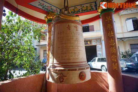 Doc dao ngoi chua Viet co xac uop thien su giua Bangkok - Anh 8