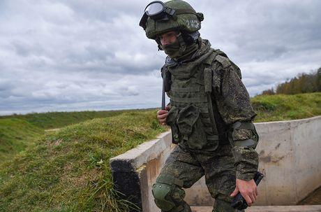 Kham pha bo quan trang Ratnik moi cua binh si Nga - Anh 15