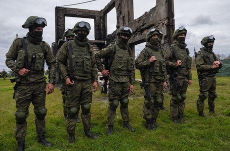Kham pha bo quan trang Ratnik moi cua binh si Nga - Anh 2