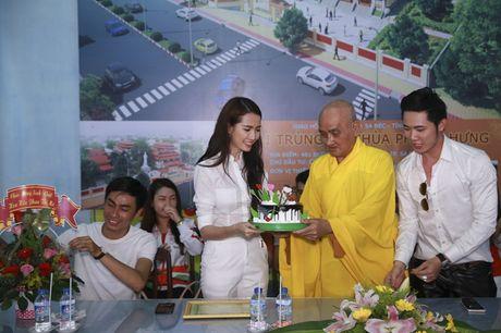 Mo Phan mung sinh nhat thu 26 cung nguoi ngheo - Anh 11