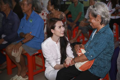 Mo Phan mung sinh nhat thu 26 cung nguoi ngheo - Anh 3