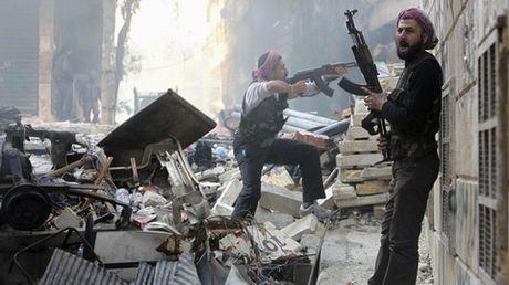 Quan Assad canh bao ke thu truoc tran quyet chien - Anh 1