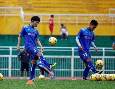 'Doi tuyen Viet Nam hien tai chua manh bang thoi vo dich AFF Cup 2008' - Anh 3