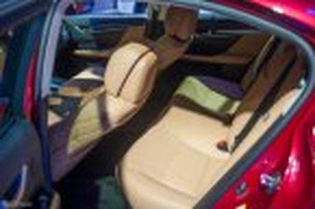 Lexus ra mat GS 200t, dong co tang ap 2.0 241 ma luc, gia 3,13 ti dong - Anh 33
