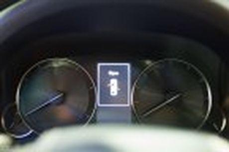 Lexus ra mat GS 200t, dong co tang ap 2.0 241 ma luc, gia 3,13 ti dong - Anh 35