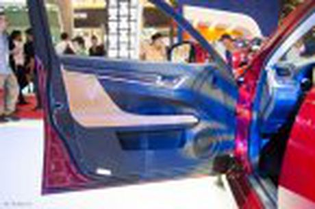 Lexus ra mat GS 200t, dong co tang ap 2.0 241 ma luc, gia 3,13 ti dong - Anh 36
