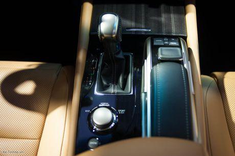 Lexus ra mat GS 200t, dong co tang ap 2.0 241 ma luc, gia 3,13 ti dong - Anh 9