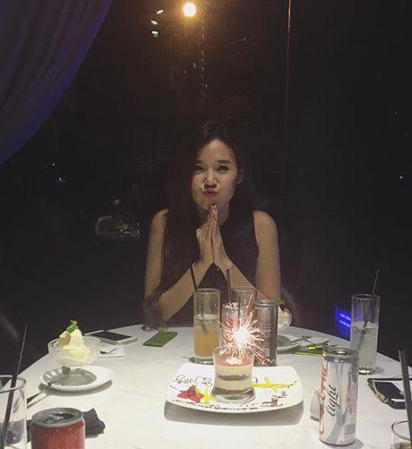 Sao Viet 6/10: Chi Pu di an voi Ji Yeon, Tam Tit ngoi an van deo kinh ram, doi mu - Anh 5