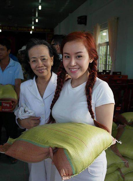 Sao Viet 6/10: Chi Pu di an voi Ji Yeon, Tam Tit ngoi an van deo kinh ram, doi mu - Anh 6