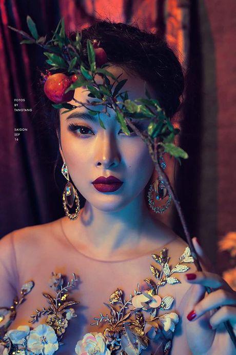 Sao Viet 6/10: Chi Pu di an voi Ji Yeon, Tam Tit ngoi an van deo kinh ram, doi mu - Anh 8