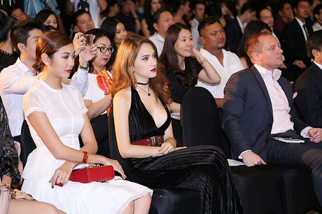 Chan lay khan lam ao, Huong Giang Idol dien dam cat xe tao bao - Anh 6
